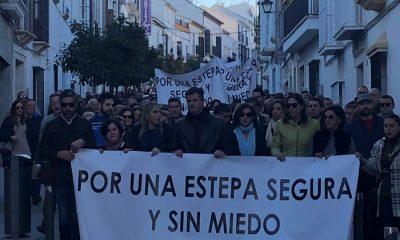 AionSur Estepa-manifestación-seguridad-400x240 Casi 2.000 estepeños se echan a la calle por un pueblo seguro y sin miedo Estepa  destacado
