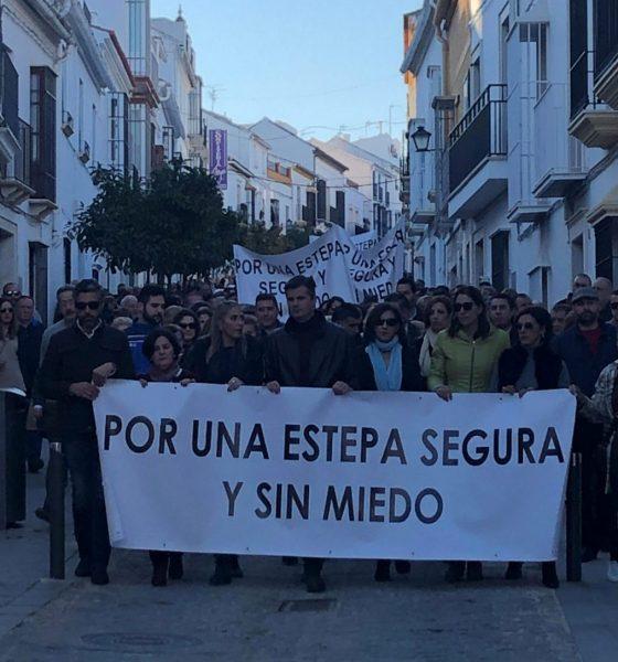AionSur Estepa-manifestación-seguridad-560x600 Casi 2.000 estepeños se echan a la calle por un pueblo seguro y sin miedo Estepa  destacado
