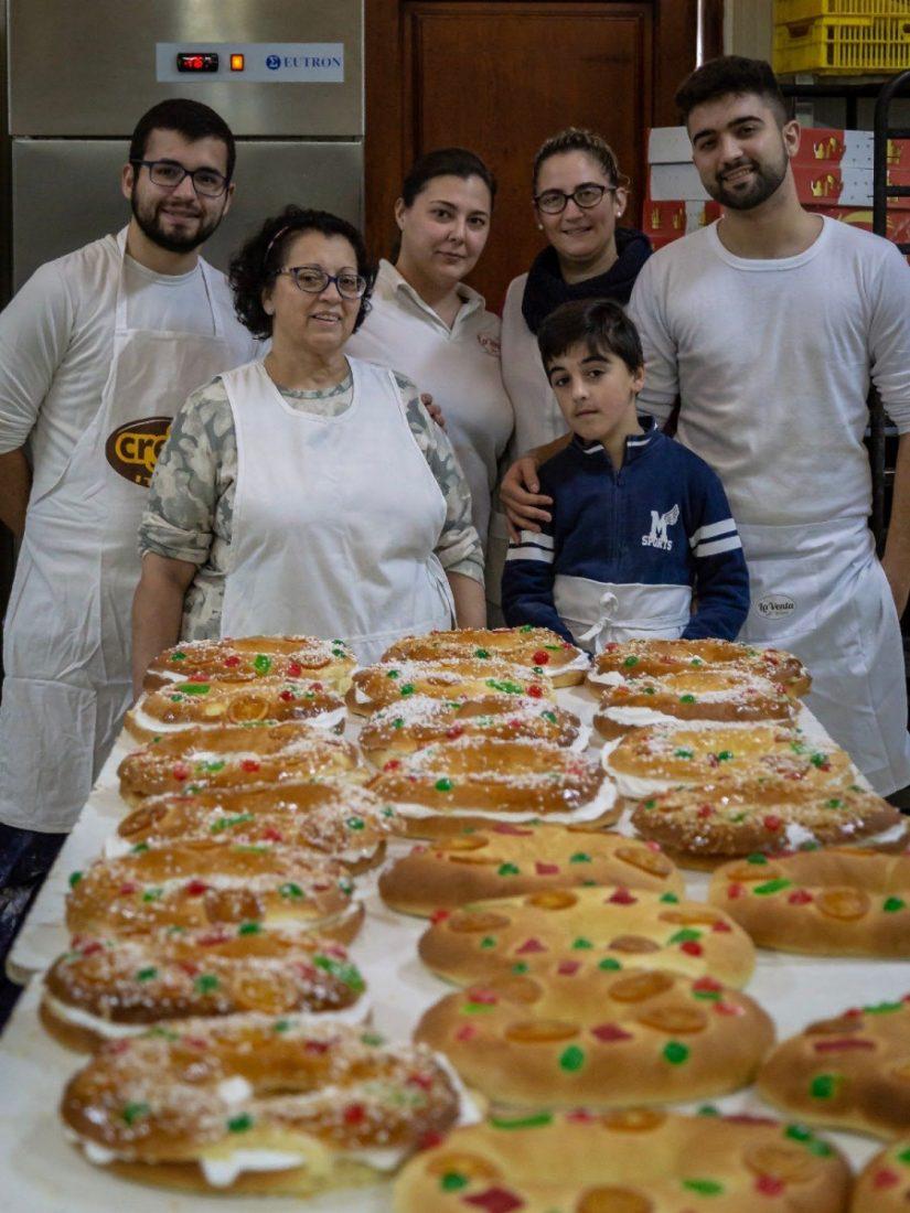 AionSur LaVenta-Roscón-Reyes La Venta: tres generaciones se juntan para elaborar más de mil roscones de Reyes