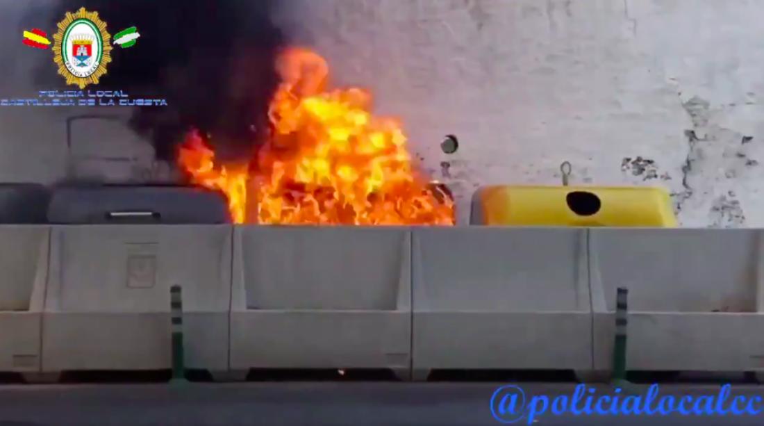 AionSur castilleja_incendios1 Investigan los incendios intencionados en contenedores de Castilleja de la Cuesta Sucesos