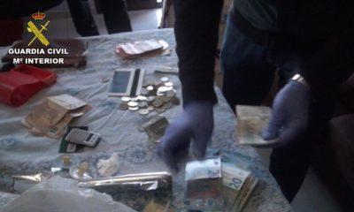 AionSur drogas-400x240 Dos mujeres detenidos en Pilas por vender drogas a sus vecinos Sucesos