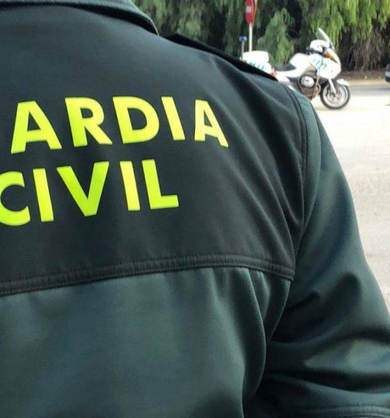 AionSur guardia-civil-560x600 Tres detenidos en Los Palacios por robo con violencia en comercios Los Palacios Sucesos