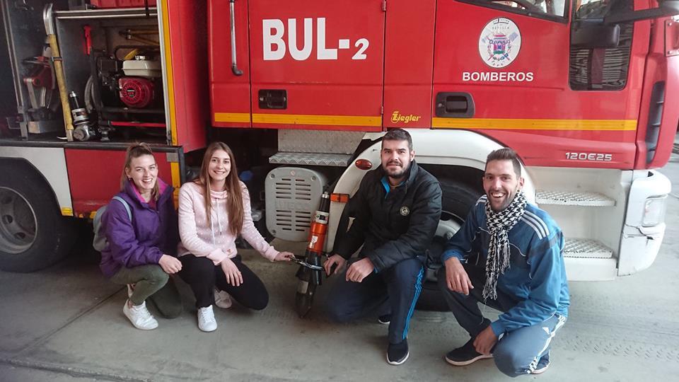 AionSur herramienta-bomberos Las redes sociales hacen que los bomberos de Alcalá encuentren una herramienta perdida Alcalá de Guadaíra Sociedad
