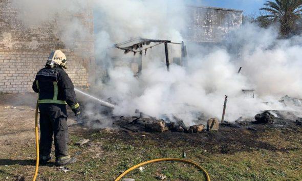 AionSur incendio-chabola-Arahal-590x354 Un nuevo incendio destruye la chabola de una familia de Arahal Sucesos  destacado