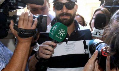 AionSur manada-guardia-400x240 La Guardia Civil suspende de funciones al agente integrante de La Manada Sucesos