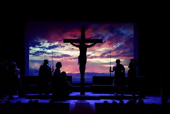 AionSur obra-teatro-LaPasión Farándula Don Bosco interpreta en Arahal 'Agnus Dei (La Pasión)' Cultura