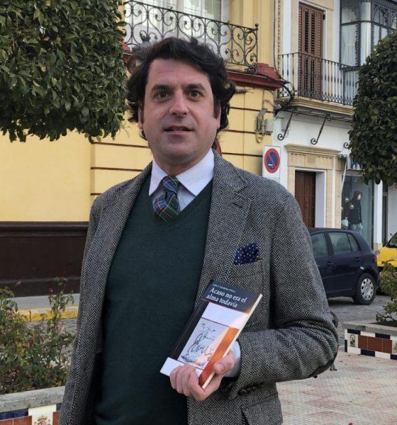 AionSur poeta-Julios-Fernández-560x600 El abogado arahalense Julio Fernández presenta su primer poemario en el Ateneo de Sevilla Cultura  destacado