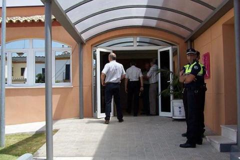 AionSur policia-Alcala Se entrega a la Policía de Alcalá para que le ayude a dejar la droga Alcalá de Guadaíra Sucesos  destacado