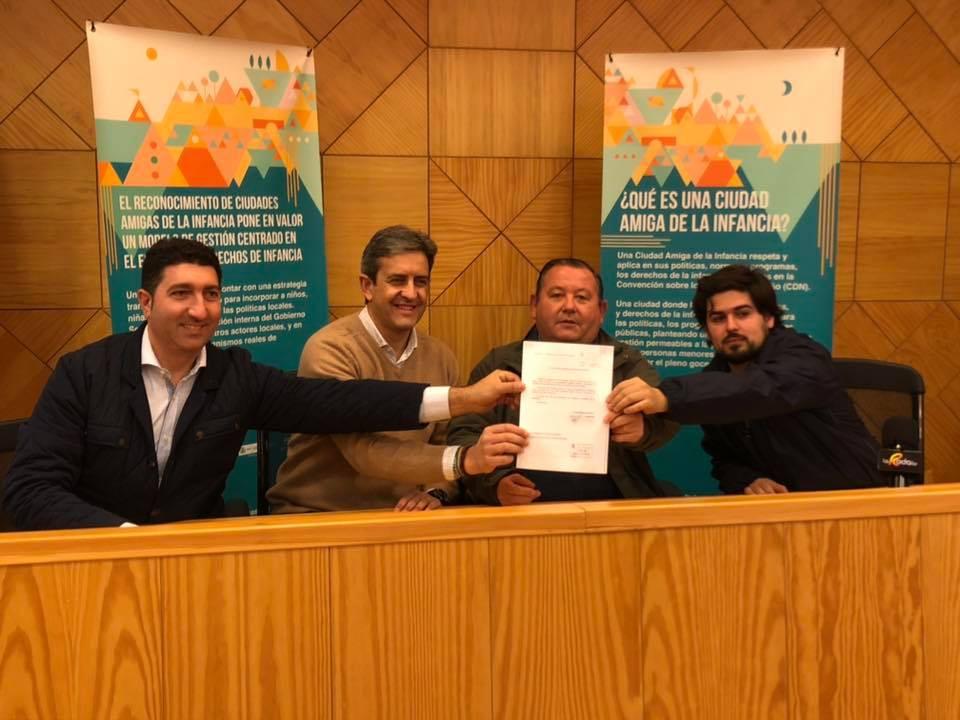 AionSur LaRoda-moción-caza Los cazadores andaluces presentan en los ayuntamientos mociones con el lema #LaCazaTambiénVota Sociedad