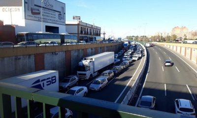 AionSur Torreblanca-accidente-retenciones-400x240 Una colisión múltiple en la A92 a su paso por Torreblanca provoca importantes retenciones Sucesos  destacado