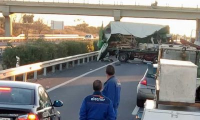 AionSur accidentea49-400x240 Abierta la A-49 hacia Sevilla tras un grave accidente esta mañana Sevilla Sucesos