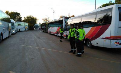 AionSur foto-campaña-DGT-transporte-escolar-400x240 La DGT denuncia a 303 vehículos durante su última campaña de vigilancia al transporte escolar Sociedad