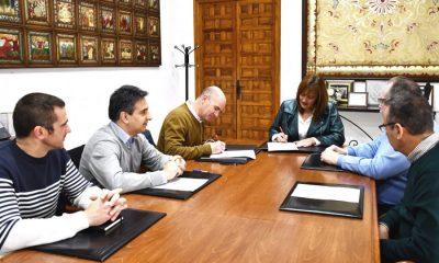 AionSur foto-firma-400x240 En marcha la recuperación del teatro Álvarez Quintero de Osuna Sin categoría