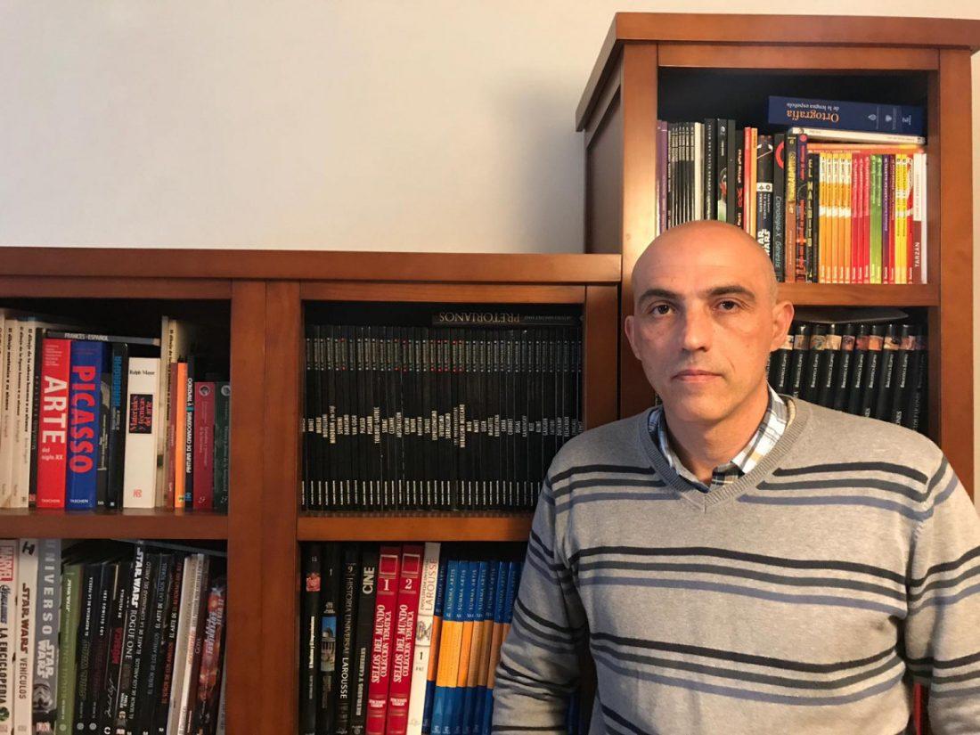 AionSur oliver-tovar-Marchena Oliver Tovar Urbina, marchenero del año, policía local, escritor e investigador Marchena