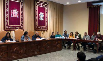 """AionSur oposición-pleno-Marchena-400x240 La alcaldesa de Marchena dice que presenta el presupuesto """"a trozos"""" para que lo """"digiera"""" la oposición Marchena  destacado"""