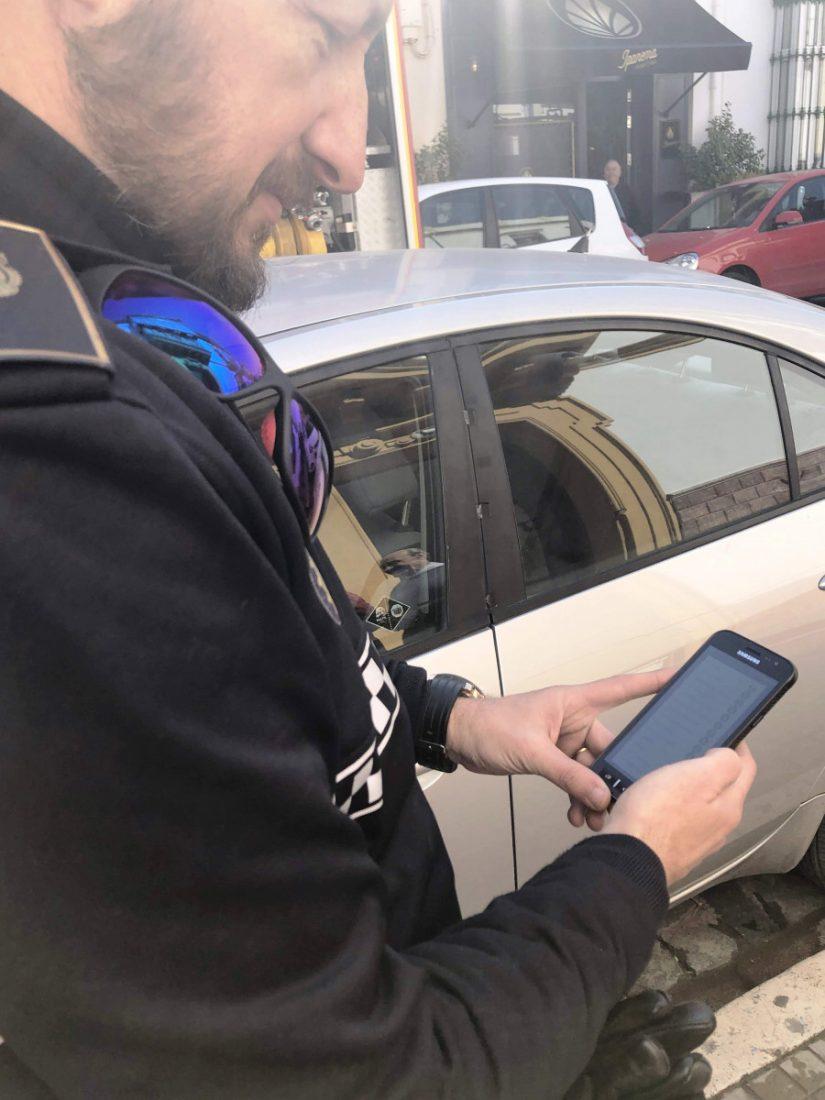 AionSur policía-local-Arahal-APP-tr La Policía de Arahal estrena móviles con una APP para gestionar información relacionada con el tráfico Arahal  destacado