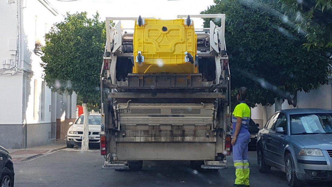 AionSur servicio-basura-Urbaser-litigio-Arahal Más de cien familias se benefician de la reducción de tasas de la recogida de basuras Sin categoría