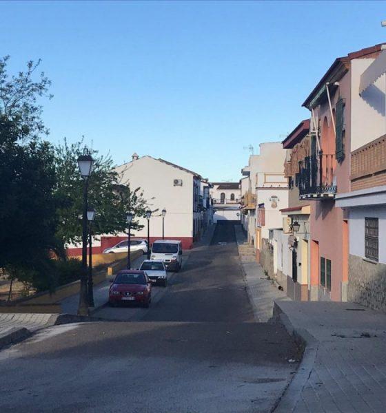 AionSur Gerena-Calle-Dolores-AION-560x600 Herida grave una mujer atacada por un perro en Gerena Gerena Sucesos