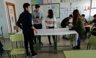 AionSur Paradas-Escuela-400x240 En marcha el programa de mediación escolar en Paradas Educación Paradas  destacado
