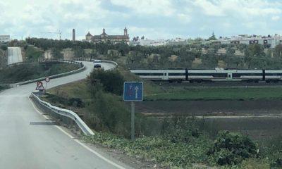 AionSur Tren-Paradas-400x240 Muere un hombre arrollado por el tren en Paradas Paradas Sucesos  destacado