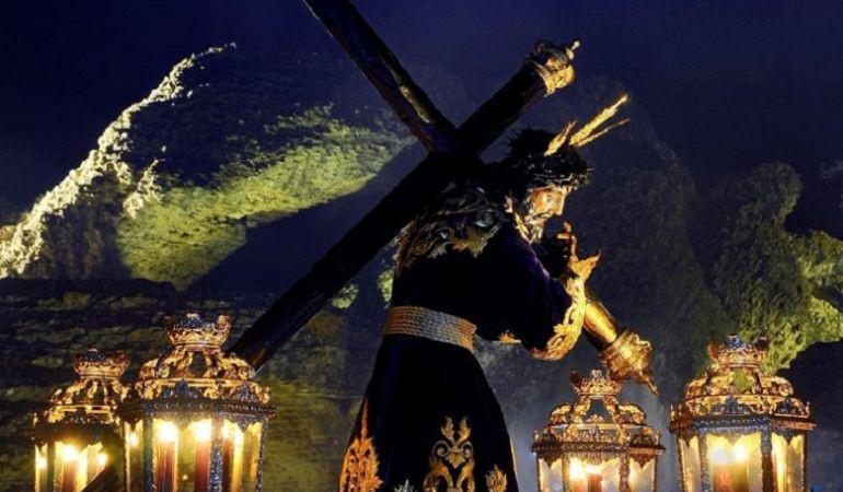 AionSur ViaCrucis-Italica El impresionante Vía Crucis de Itálica acoge este año a 13 hermandades andaluzas Semana Santa