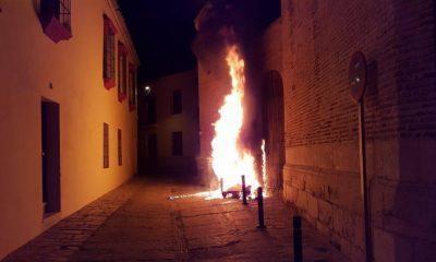 AionSur fuego-contendores-Écija-400x240 Arden los contenedores ubicados en varias zonas céntricas de Écija Ecija Sucesos destacado