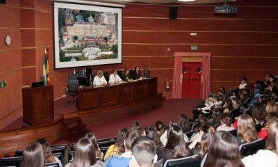 AionSur hospital-Virgen-Rocío-400x240 Un total de 166 estudiantes de formación profesional realizan sus prácticas en el Virgen del Rocío Salud