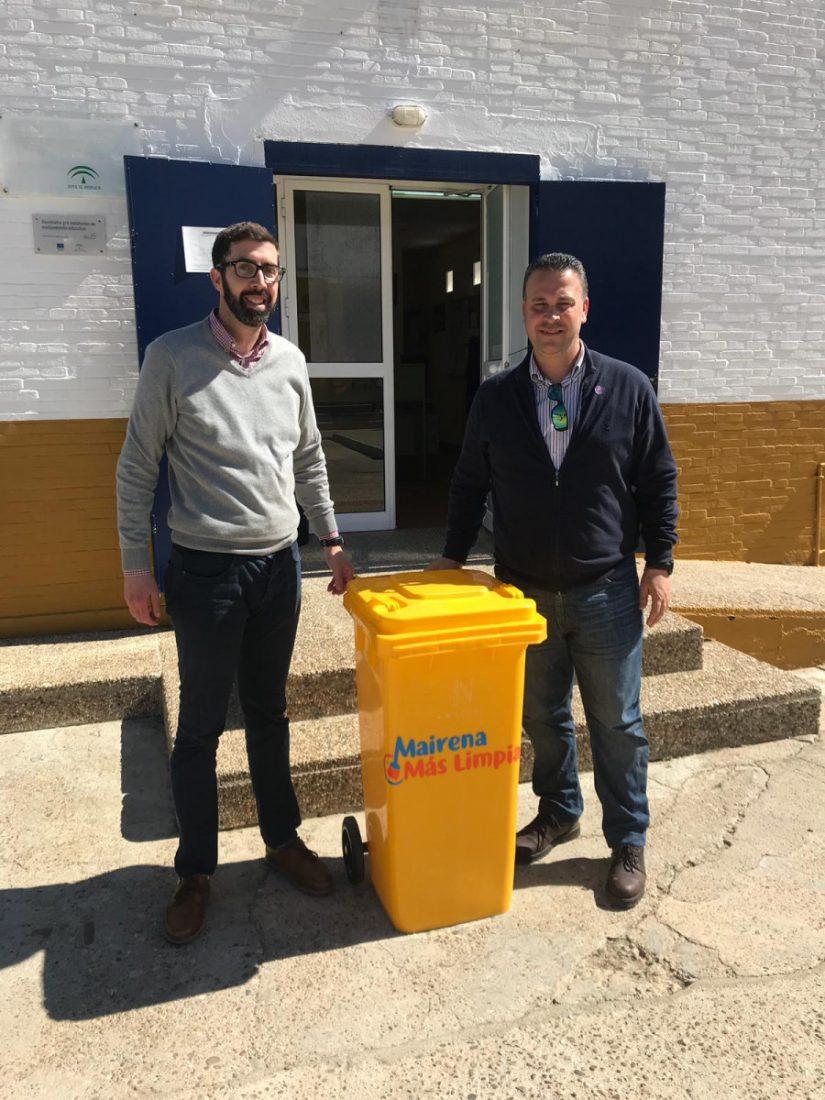 AionSur mairena-envases-institutos Mairena del Alcor reparte envases para el reciclaje de plásticos en los centros educativos Mairena del Alcor