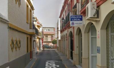 AionSur policia-Guillena-1-400x240 Sin rastro del cerrajero que iba a cambiar la cerradura de la Policía de Guillena Guillena Sociedad