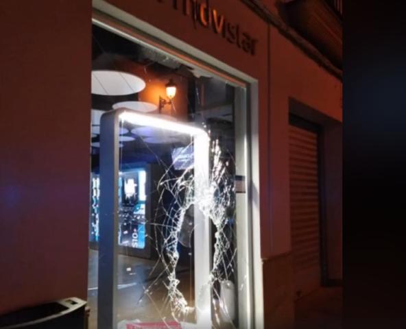 AionSur robo-Osuna1 Persecución policial en Osuna detrás del autor del robo a una tienda de móviles Sucesos