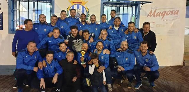 AionSur 47510578412_3d004e6517_z Los veteranos del Arahal, campeones de Liga siete años después Deportes Fútbol