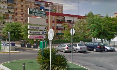AionSur Castilleja-Calle-Juan-Carlos-I-400x240 Deja a su hijo de 8 años solo de madrugada para irse de fiesta Aljarafe Provincia Sucesos