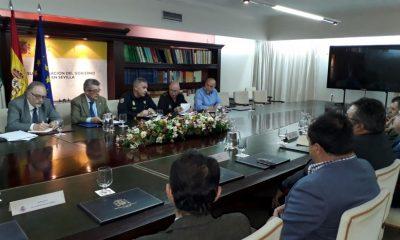 AionSur Foto-Reunión-seguridad-Madrugá-400x240 La Policía Nacional extremará las medidas de seguridad para la Madrugá Semana Santa