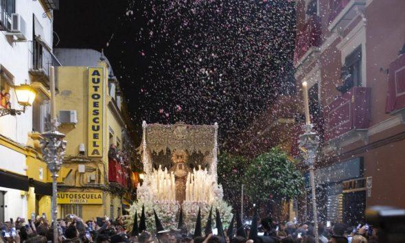 AionSur Macarena-590x354 Sevilla vive la madrugá más tranquila de los últimos años Semana Santa Sevilla  destacado