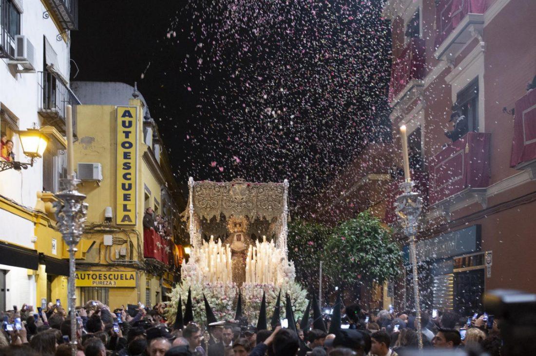 AionSur Macarena Sevilla vive la madrugá más tranquila de los últimos años Semana Santa Sevilla  destacado