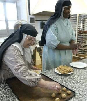 AionSur MarchenaDulces2 Los conventos de Marchena sacan sus dulces a la calle Marchena Semana Santa