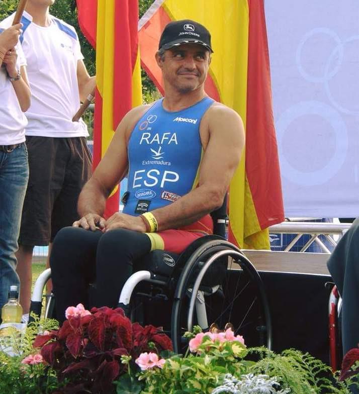 AionSur Rafael-Marchena-2 El campeón triatleta Rafael López tendrá una calle en su pueblo, Marchena Marchena Sociedad