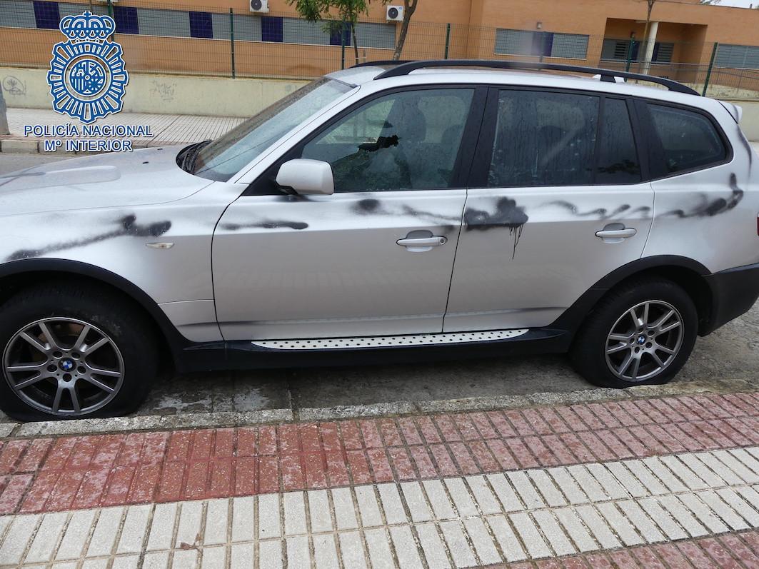 AionSur coche-danado Detenido en Dos Hermanas por causar daños al coche de su expareja Dos Hermanas Sucesos