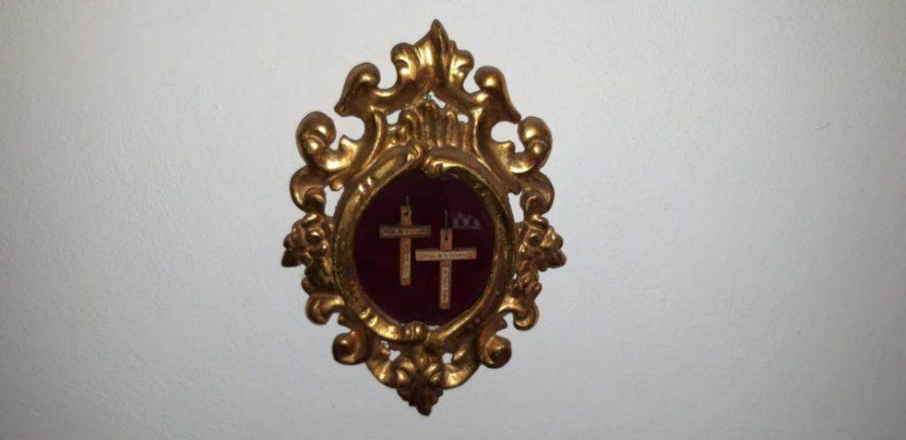 AionSur cruces-Cristo-Arahal-1024x497 Heredera de la familia Benjumea dona una potencia del siglo XVIII al Cristo de la Misericordia Arahal Semana Santa  destacado