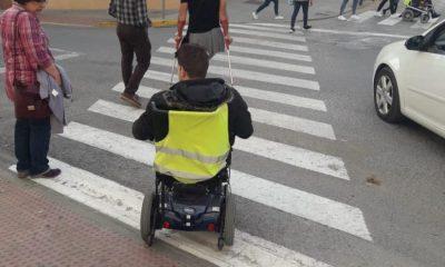 AionSur montellano-400x240 Un concejal de Montellano recorre el pueblo con personas en silla de ruedas para eliminar las barreras Provincia Sociedad