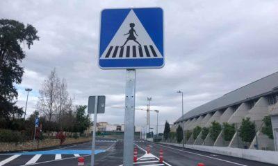 AionSur paso-de-peaton-768x576-400x240 Un pueblo de Huelva cambia señales de pasos de peatones masculinas por femeninas Huelva Sociedad