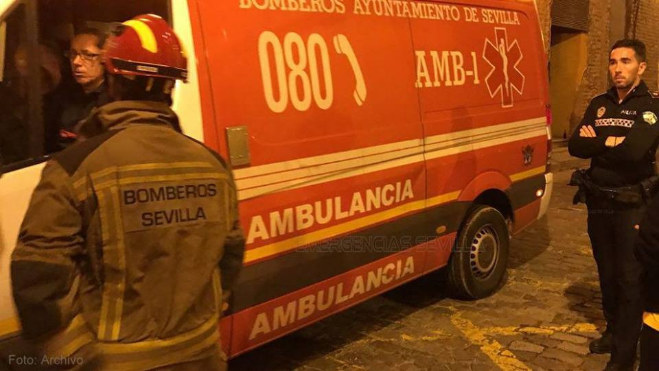 AionSur: Noticias de Sevilla, sus Comarcas y Andalucía policia Herido un joven en Sevilla tras estallarle una cachimba en su casa Sevilla Sucesos