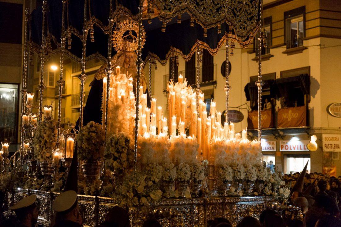 AionSur yomecuro La Virgen del Carmen de Sevilla llevará un cirio con el lema #yomecuro Semana Santa Sevilla
