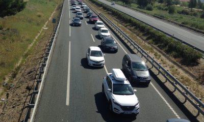 AionSur Atasco-accidente-2-400x240 Casi 20 kilómetros de atasco en la salida de Sevilla hacia Huelva por un accidente Provincia Sucesos  destacado