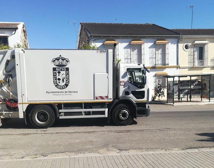 AionSur Basura-marinaleda La basura de Marinaleda se recogió gracias a un camión prestado por el Ayuntamiento de Herrera Herrera Provincia