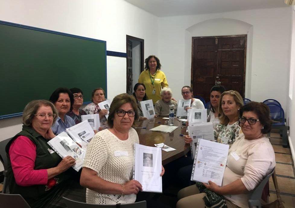 AionSur Escuela-CUIDADORAS-en-MONTELLANO-compressor En marcha las Escuelas de Personas Cuidadoras en los centros de salud Comarca Metropolitana