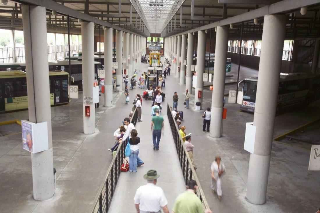AionSur Rocío La oferta de autobuses en la provincia de Sevilla se triplica por El Rocío Andalucía Huelva