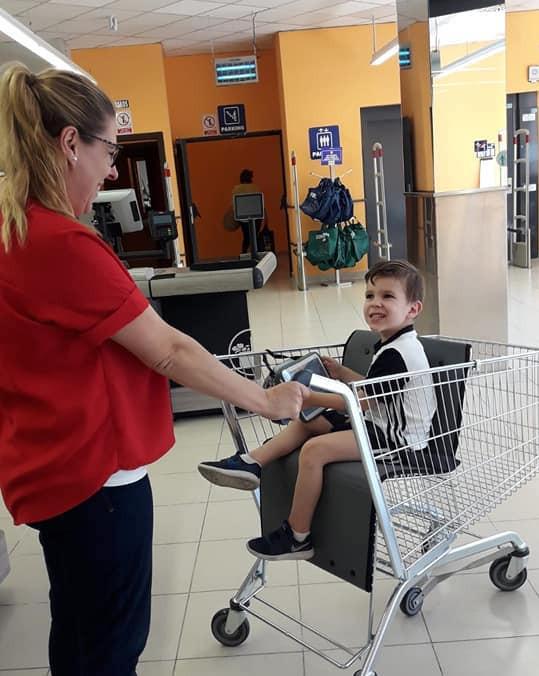 AionSur Utrera-madre Una madre de El Coronil consigue que Mercadona tenga un carro para niños con movilidad reducida Sociedad Utrera  destacado