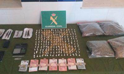 AionSur alanis-Sierra-droga-detenidos-400x240 Cinco detenidos en Alanís de la Sierra por tráfico de droga Sucesos