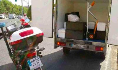 AionSur policia-frio-400x240 Interceptada una furgoneta que llevaba comida a residencias, colegios y guarderías sin cadena de frío Salud Sevilla Sucesos